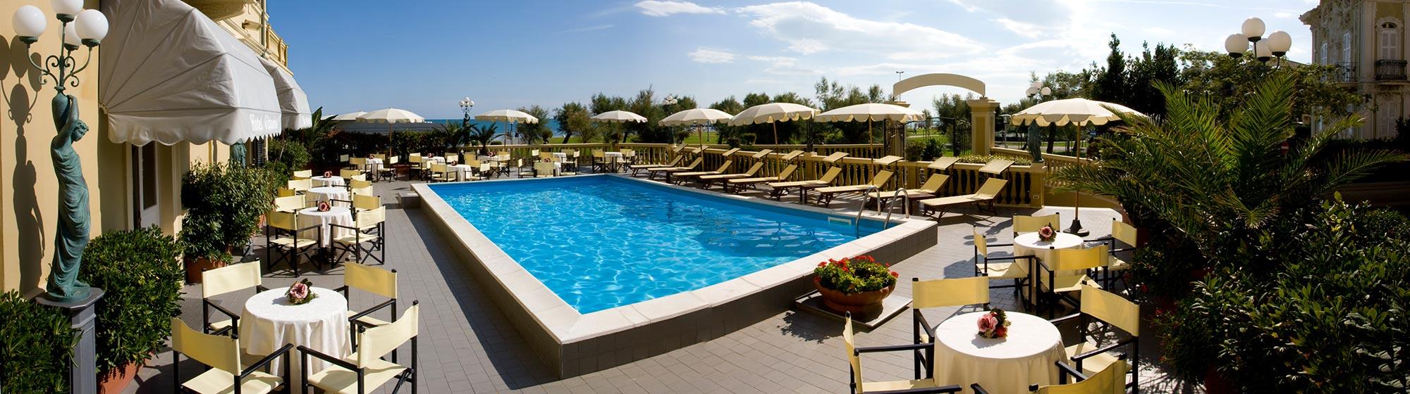 Hotel pesaro fronte mare alberghi 5 stelle di lusso nelle for Hotel di lusso italia